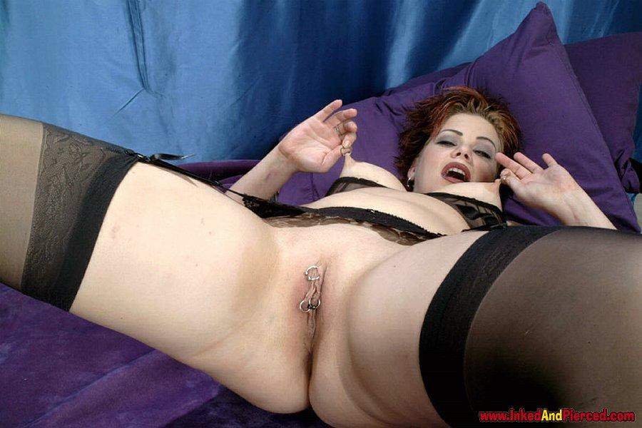 Multi pierced pussy slut fisted she like it 8